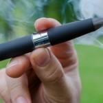 В США зафиксировали первую смерть от курения вейпа
