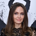 Анджелина Джоли рассказала, почему удалила обе груди