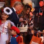 Мелания и Дональд Трамп отметили Хеллоуин в Белом доме (фото)