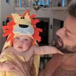 Рики Мартин поделился в соцсети первой фотографией своей годовалой дочери Люсии