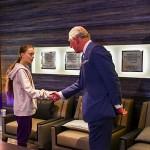 Принц Чарльз встретился с Гретой Тунберг на форуме в Давосе и поддержал ее «глубокие начинания»