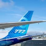 Самый большой и истории двухдвигательный самолет совершил первый полет (видео)