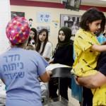 Израильские врачи отделили голову девочки от позвоночника, чтобы спасти ей жизнь
