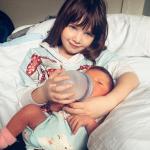 Мила Йовович рассказала о болезни своей новорожденной дочери